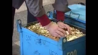 Как чеканят современные монеты России