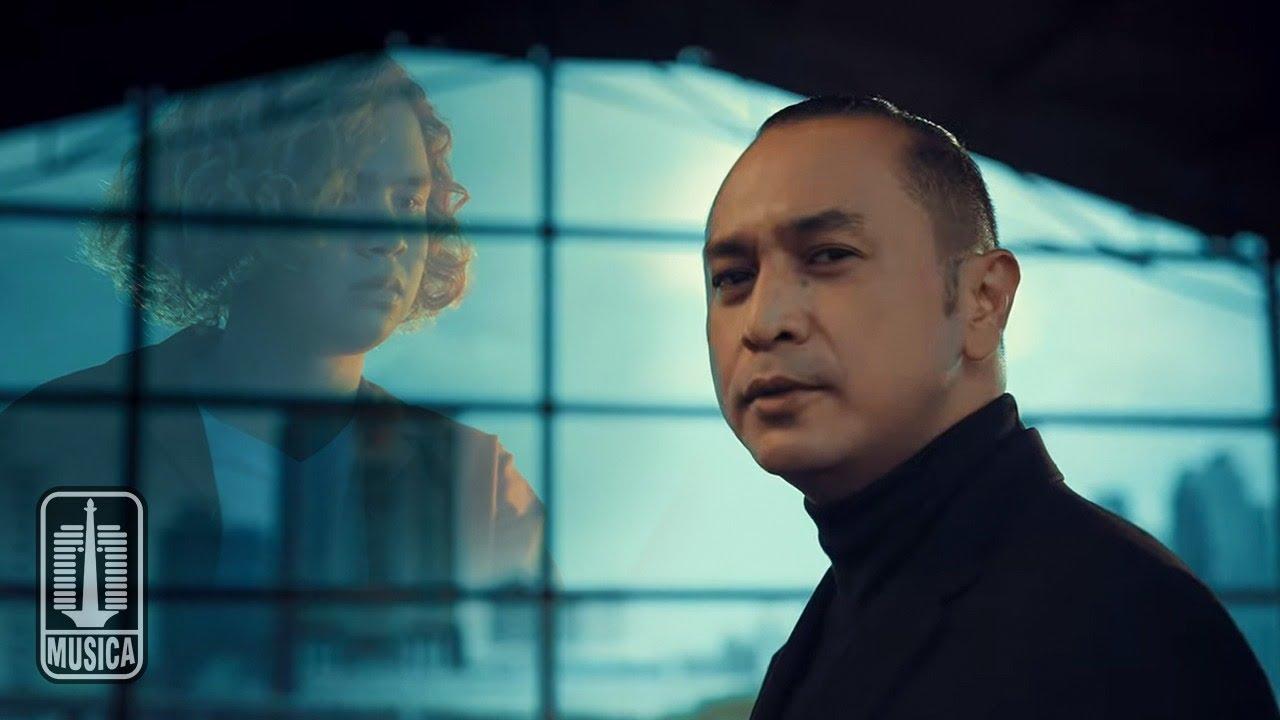Download Giring Ganesha feat. Dul Jaelani - Burung Gereja (Official Music Video)