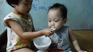 Em bé khoẻ em bé ngoan + Bé ăn thật ngoan ♫ Hát động viên bé ăn ngoan, ngủ ngon