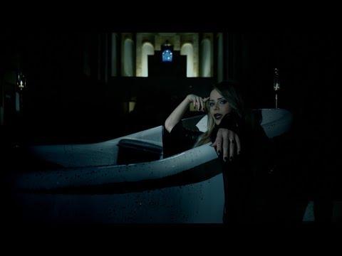 Angra lança clipe novo com participação de Sandy e Alissa