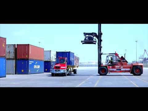 First Container Vessel Handled by Fujairah Terminals  مرافئ الفجيرة تستقبل السفينة الأولى دبي ألاينس