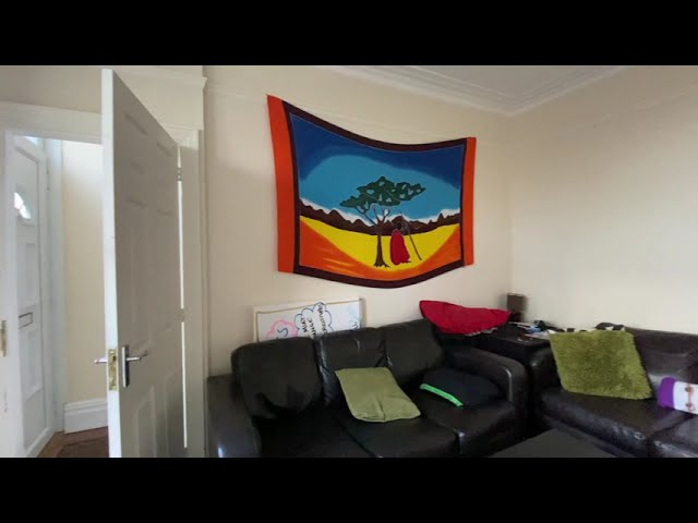Large double bed to rent in Armley.  Main Photo