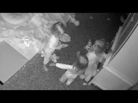 Triplets Have Conversation With Unseen Figure