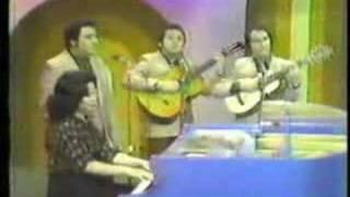 Alba Rosa Castro con el Trio Borinquen- Danza Felices Dias