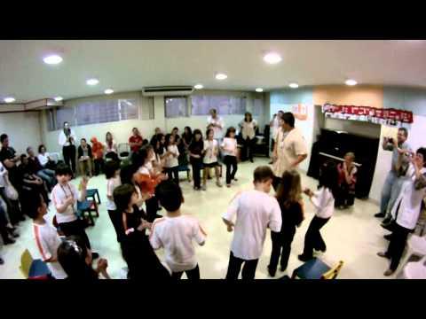 Giovana Martins Koccis - Homenagem a Luiz Gonzaga Pt2 - Colegio Positivo 12-11-2012
