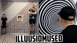 Maailman suurin ostoskeskus ja illuusiomuseo!   Dubai Vlog #1
