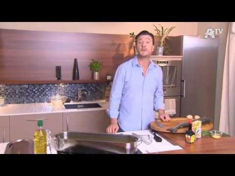 recette de cuisine saumon entier poch aux l gumes sauce mousseline l 39 aneth youtube. Black Bedroom Furniture Sets. Home Design Ideas