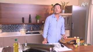 Recette de cuisine - Saumon entier poché aux légumes, sauce mousseline à l