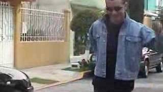 Jorobadito  (Official Music Video)