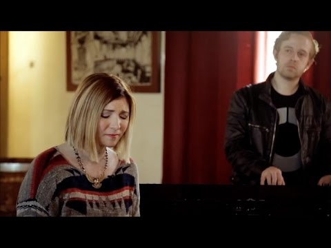 Jesus Culture (Kim Walker - Smith)  // Show Me Your Glory // New Song Cafe