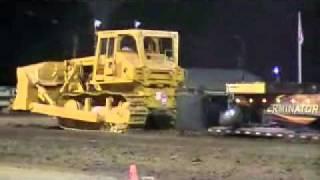 Repeat youtube video MOV05a Allis Chalmers HD 41 Dozer Pulling