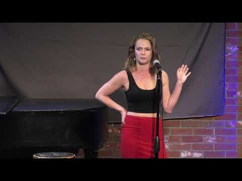 Holly Yarmosh  at Hollywood Improv