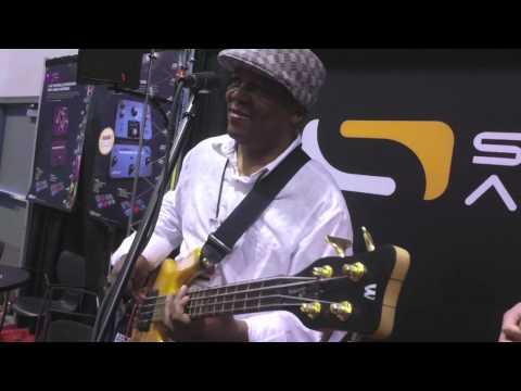 Bakithi Kumalo leading jam session with Source Audio guys