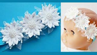 Повязка для малышки Канзаши Мастер-класс / Headband for baby Tutorial / DIY / Handmade by Tatsiana(В этом видео я покажу, как сделать милую повязку для малышки. Композиция состоит из трех белых цветков, сдел..., 2016-03-16T14:46:59.000Z)