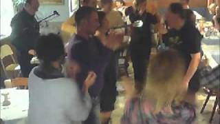 Download ROUMBES 1 - GRIECHISCHE LIVE MUSIK - GEORGIOS - Mythos 05.03.2011 MP3 song and Music Video