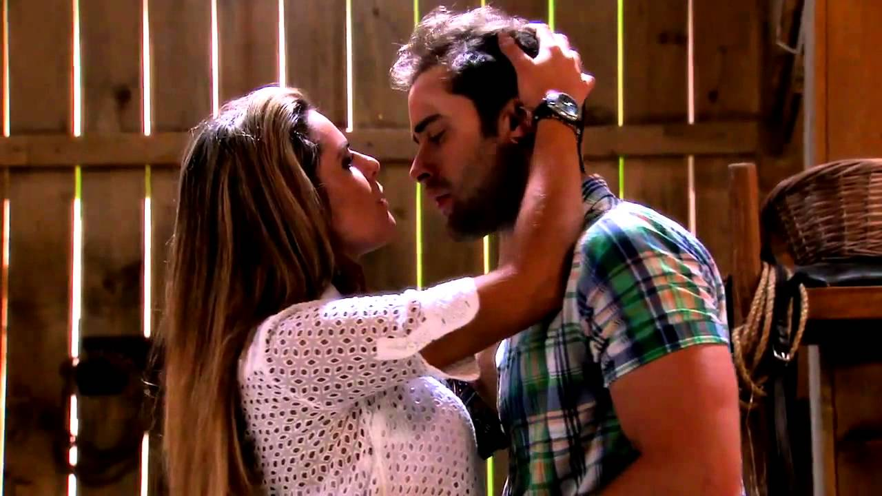 Pablo y Veronica - Hacen el amor por primera vez - Tierra de Reyes ...: http://www.youtube.com/watch?v=4AitVY0Bl_I