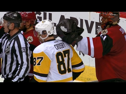 Smith messes with All-Star buddy Crosby behind referees back