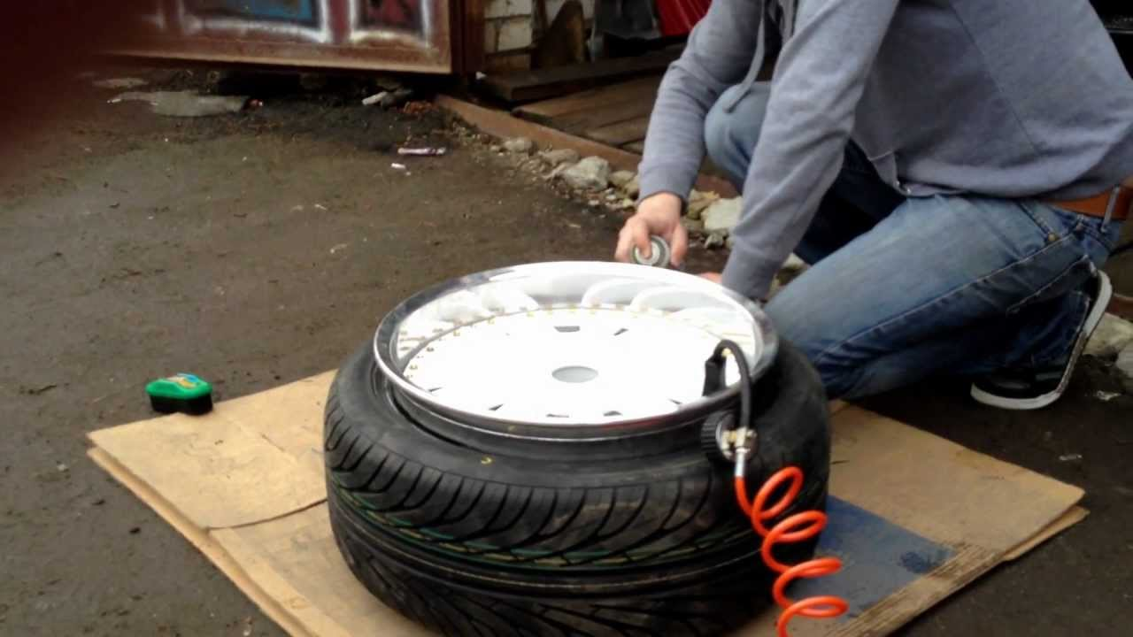 tyre stretch 215 40 17 on 10j youtube. Black Bedroom Furniture Sets. Home Design Ideas