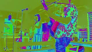 7月16日 Chamomileによる演奏。ミラクルマリングループの演目に入れても...