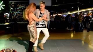 Repeat youtube video EL BAILE MAS SEXY DEL MUNDO BACHATA SENSUAL 2016 (INCREIBLE)