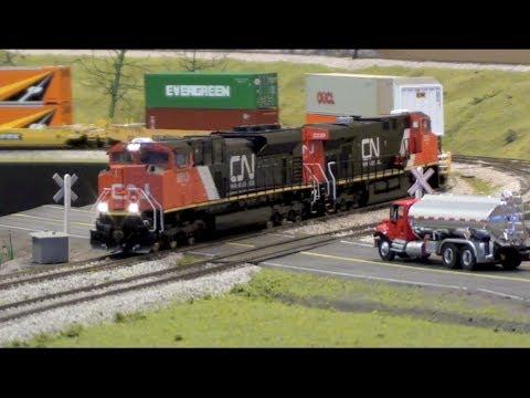 HO Hot CN Stack Train