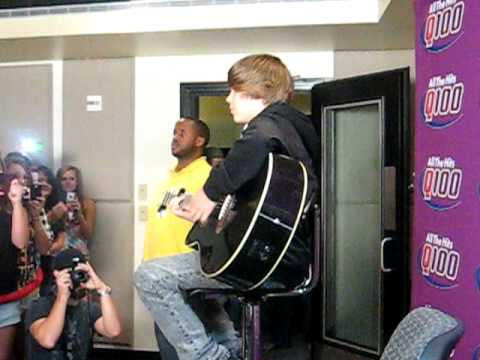 Justin Bieber singing Heartless and Cry me a River 7/29/09