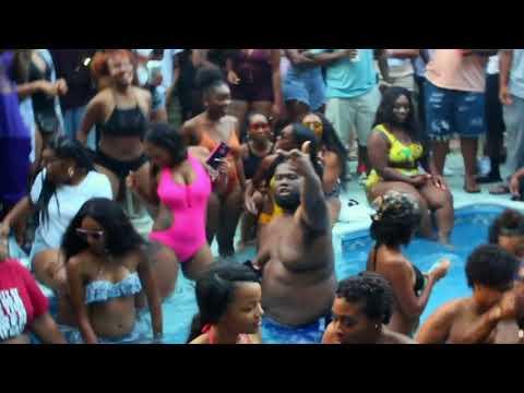 Super SoaQer Pool party (ASU Ques)