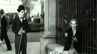 Lucio Battisti - I Giardini di Marzo / Charle Chaplin - Luci della città