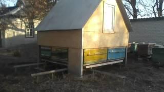 Класс! Сон на ульях  Строительство домика.(Как построить домик на ульях. Сон на ульях. Эффективное лечение при пчелотерапии. Домик и стеллажи все изго..., 2015-12-29T11:34:59.000Z)