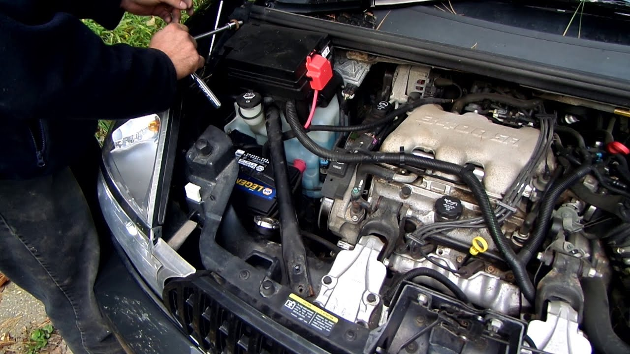 Fuse Box How To Change The Battery In A Buick Rendezvous Youtube