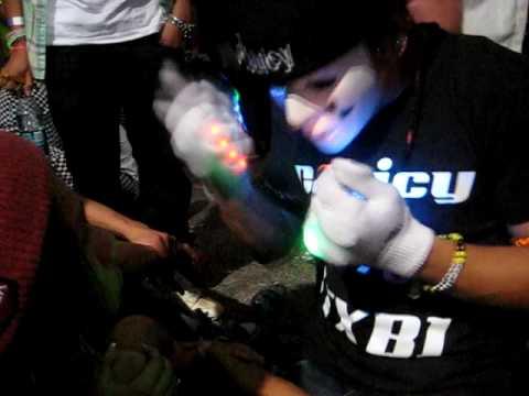 CJuicy [TXB] Lightshow @ Beyond Wonderland 2010 Using Liquidemotions Rainbows End Gloveset