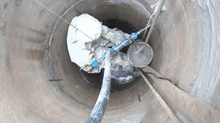 видео Гидроизоляция канализационных колодцев из бетонных колец: материалы, растворы