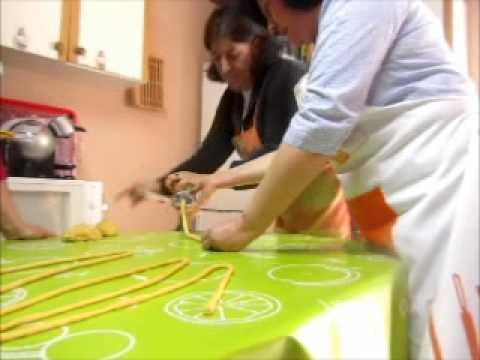 """En Radio Siberia """"Cocinando con..."""" Isabel, Mª Angeles y Mª Jose una """"Rosca de Fideos"""" en Siruela"""