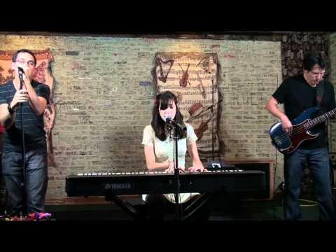 Lucy Schwartz - Gone Away (KGRL FPA Live Session)