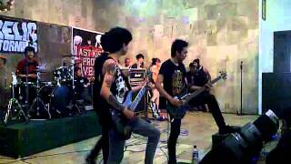 LAST KISS FROM AVELIN - SESAK DALAM GELAP(Live At Party Teenage,Cimahi)