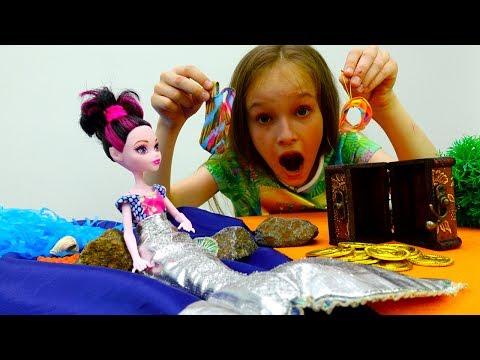 #Дракулаура МЕРЯЕТ Волшебные КУПАЛЬНИКИ и ПРЕВРАЩАЕТСЯ в животных 🐠 #МонстерХай Видео для девочек