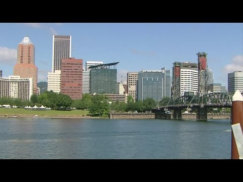 How safe is it to swim in the Willamette River?