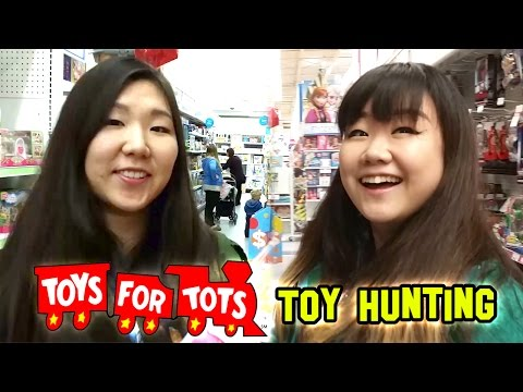 Toys4Tots TOY HUNTING with Jenny - Christmas Toy Donations #PlayItForward