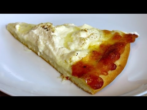 HOW TO MAKE A WHITE PIZZA