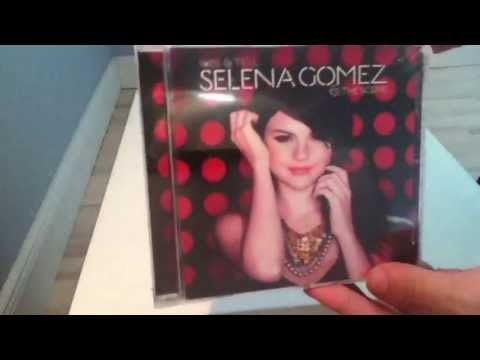 Selena Gomez & The Scene - Kiss & Tell (Unboxing) HD