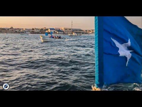 BOAT RIDE IN SOMALIA  | MUKHTARNUUR VLOG #23 | HD | 2016