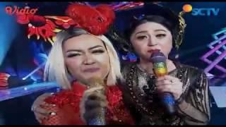 Julia Perez Dan Dewi Persik Aku Ra Popo Infotainment Awards 2017