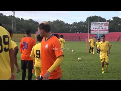 DIDIER ZOKORA LATIHAN PERDANA BERSAMA SEMEN PADANG FC