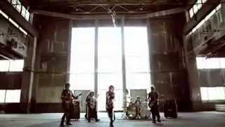 Uchusentai Noiz, a Japanese visual kei (performing in a costume) band covered the Filipino rock hit, Narda. Originally sung by Kamikazee, Narda was revived ...