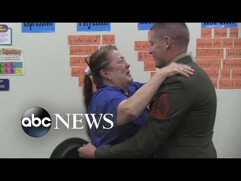 US Marine Surprises Mom at School