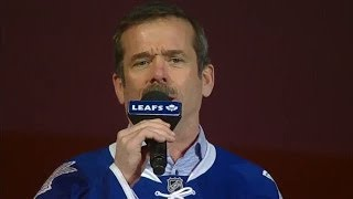 Astronaut Chris Hadfield sings O Canada