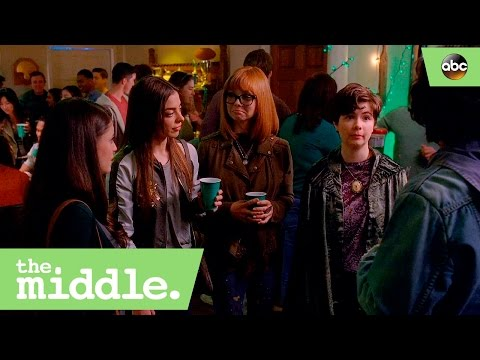 Axl Runs Into His Exes  The Middle 8x17