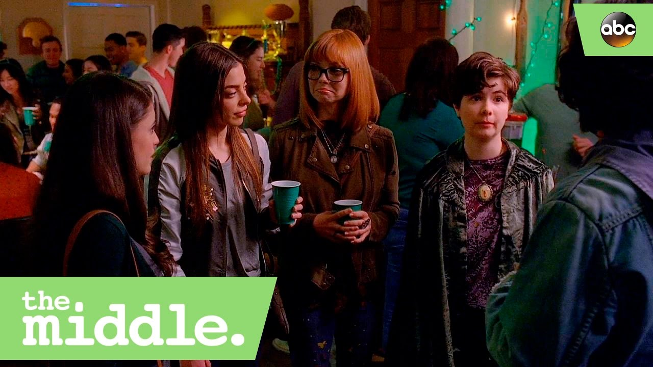 Download Axl Runs Into His Exes - The Middle 8x17