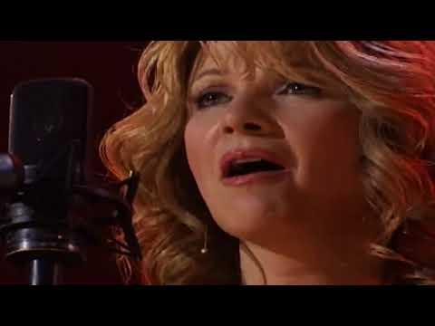 Patty Loveless, Ricky Skaggs, & Carmella Ramsey – Daniel Prayed (Live)