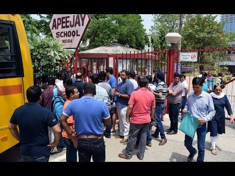 Parents Protest Outside Apeejay School Noida Against Fee Hike, Demand Action